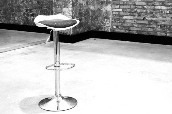 bāra krēsls